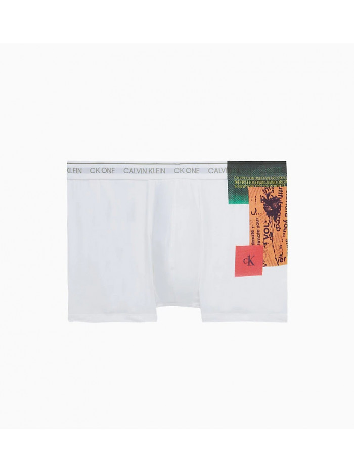 Pánske boxerky Calvin Klein CK ONE Newspaper Placed Print biele