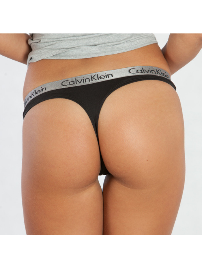 Dámske tangá Calvin Klein Radiant Cotton Thong čierne